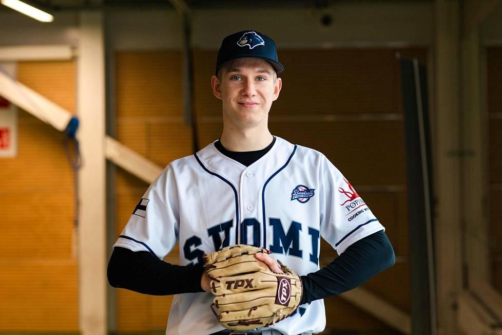 Konsta Kurikka haaveilee urasta baseballin ammattilaisena.
