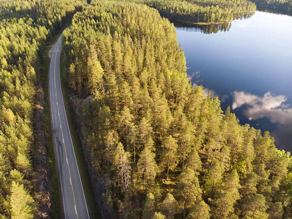 Onnettomuuspaikka sijaitsee noin neljän kilometrin päässä Mäntyharjun keskustasta.
