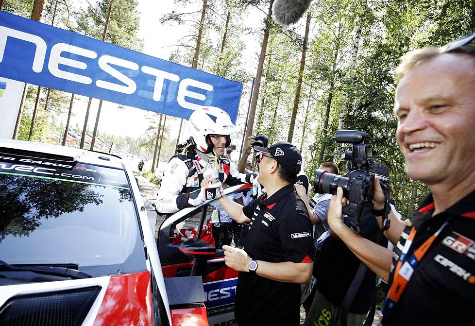 Tommi Mäkinen has always been on good terms with the Japanese.  Toyota's CEO Akio Toyoda congratulated Jari-Matti Latvala on the third place in the 2018 World Rally Championship in Finland.
