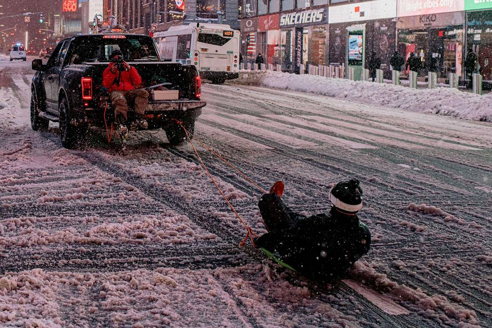 Pulkkakyyti Times Squarella.