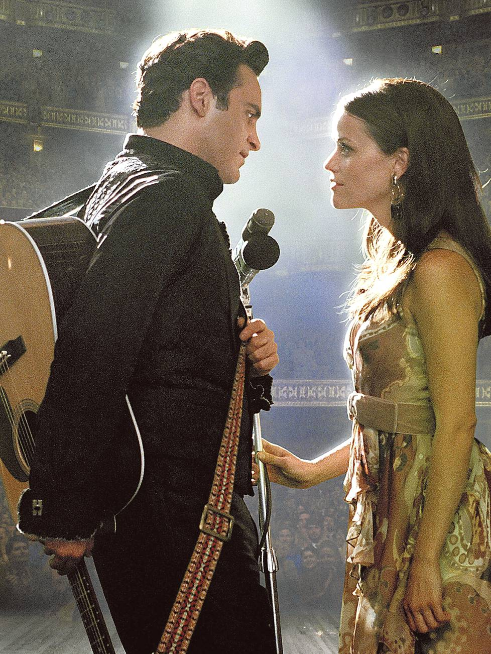 Joaquin Phoenix ja Reese Witherspoon ovat Johnny Cash ja June Carter.