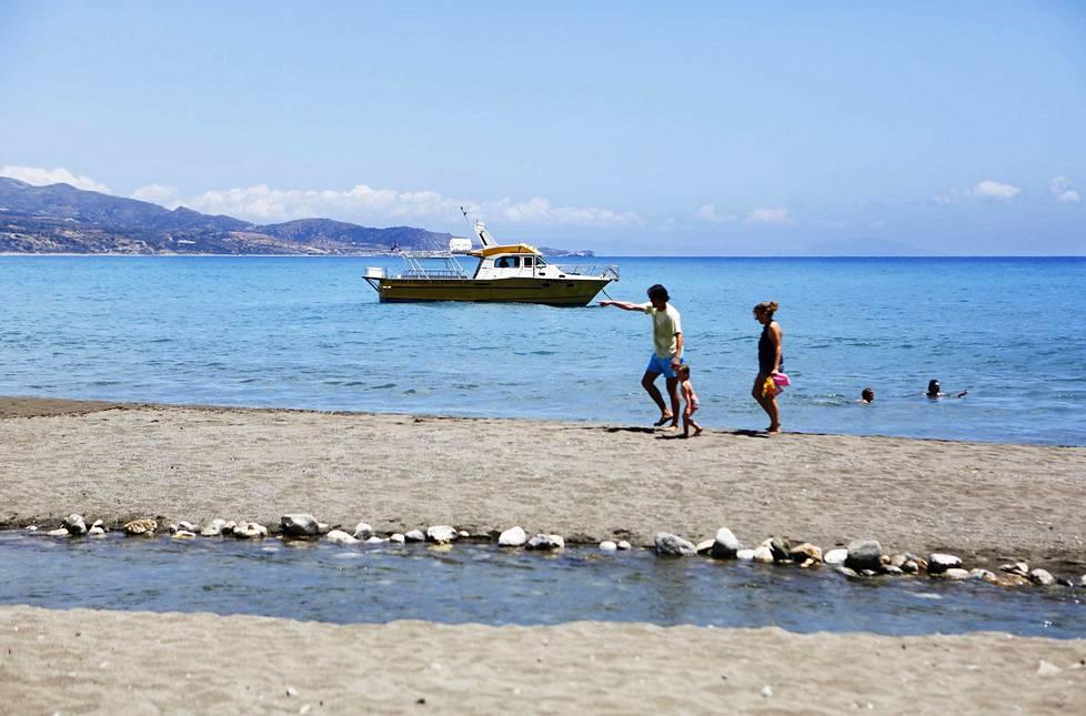Kreeta on monen lapsiperheen suosikkikohde. Kuva on Prevelin uimarannalta.