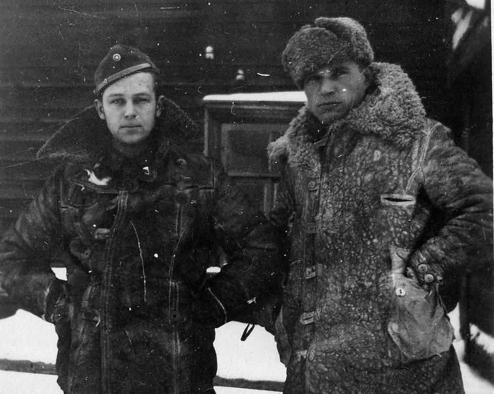 Eugen Wist ja Urpo Lempiäinen, joka tunnettiin myöhemmin sotakirjailija Esa Anttalana.