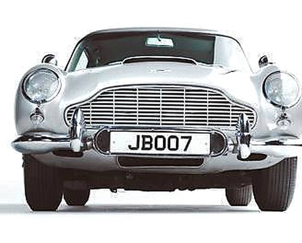 James Bond valitsi Aston Martinin