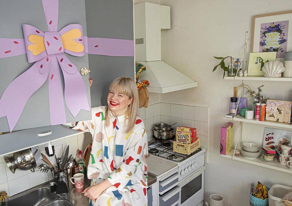 Tiina Arposen koti on asukkaidensa näköinen: pastellinen, hauska ja suloinen.