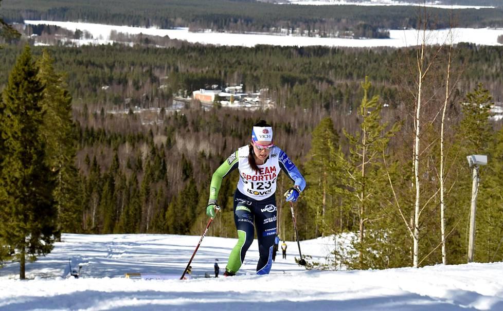 Naisten kympin mestari Krista Pärmäkoski piti Saukkovaaran laskettelurinteen nousua kovana.