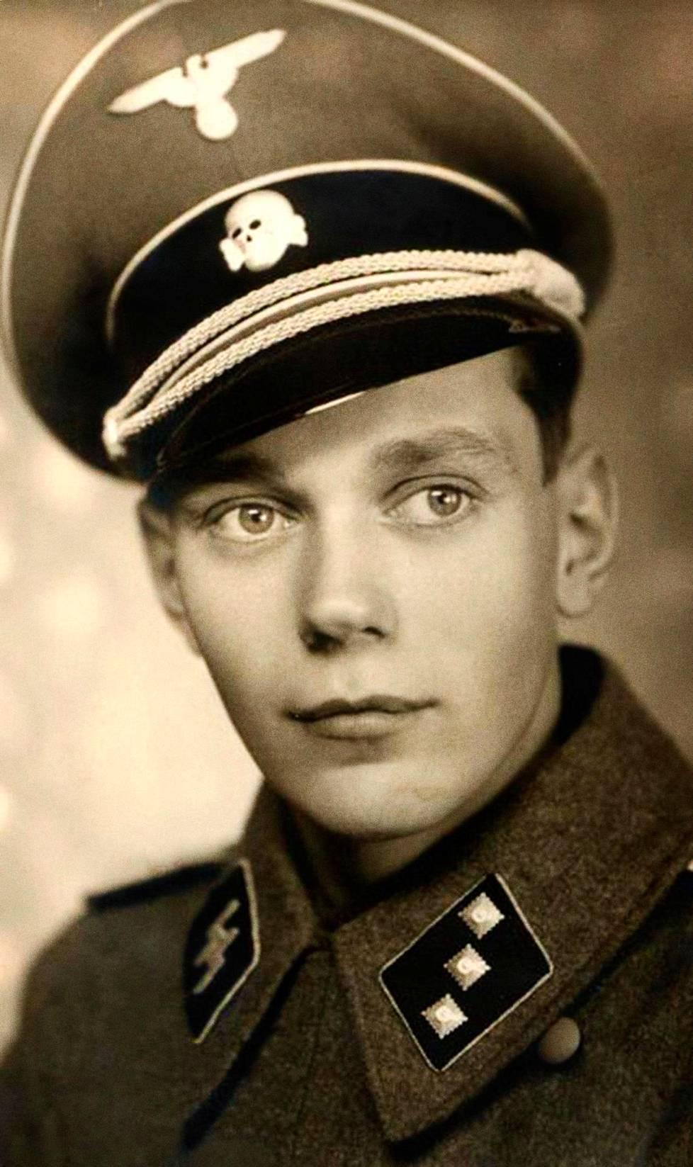 Lars Kihlströmin isä Lennart Kihlström taisteli vapaaehtoisena natsi-Saksan SS-joukoissa.