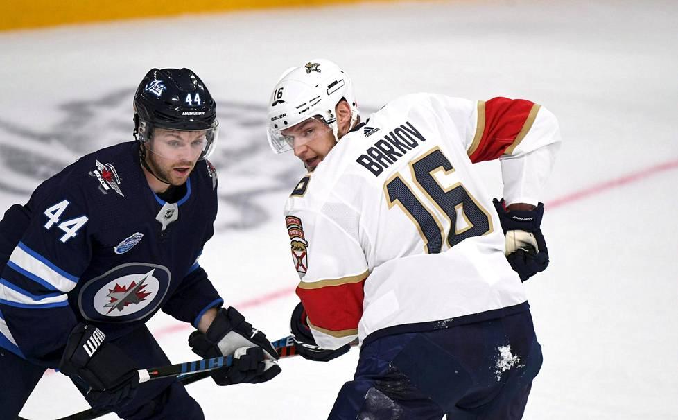 Floridan kapteeni Aleksander Barkov ja Winnipegin Josh Morrissey Hartwall-areenalla perjantaina.