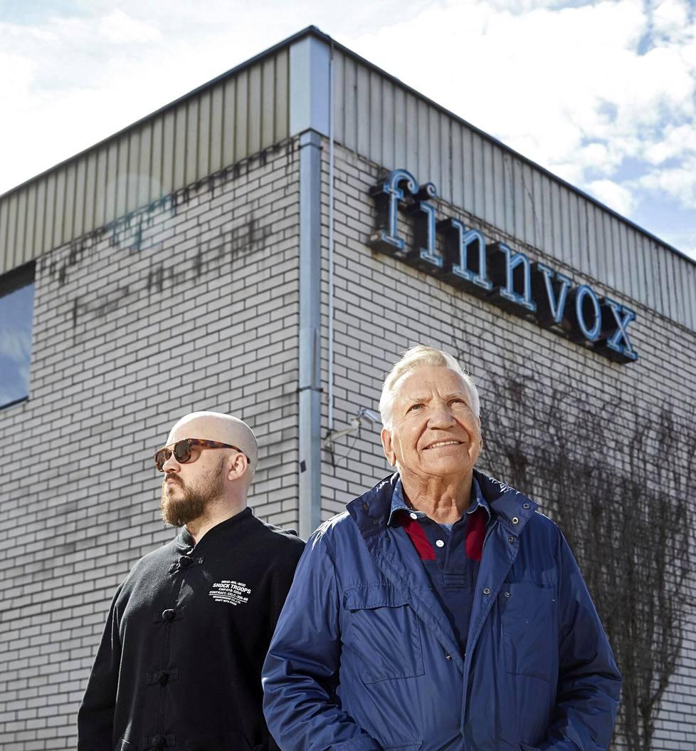 Pyhimys eli Mikko Kuoppala ja Eino Grön tapasivat legendaarisilla Finnvox-studioilla Helsingin Pitäjänmäellä.