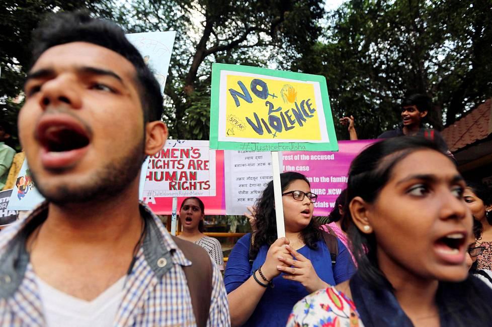 Intialainen raiskattava suku puoli video
