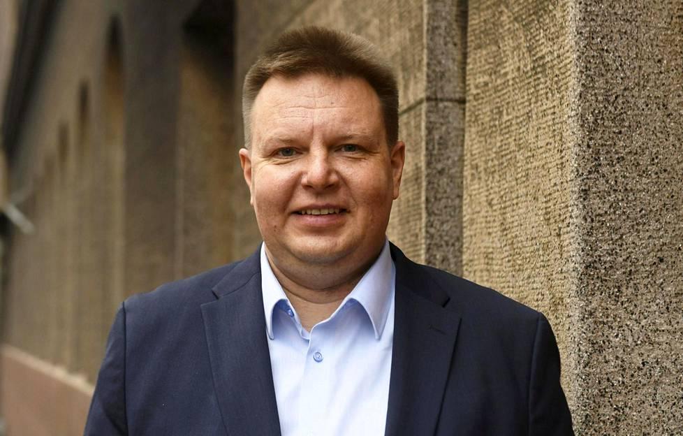 Suomen Jääkiekkoliiton puheenjohtaja Harri Nummela vastustaa MM-kisojen pelaamista Valko-Venäjällä maan nykyisen tilanteen vuoksi.