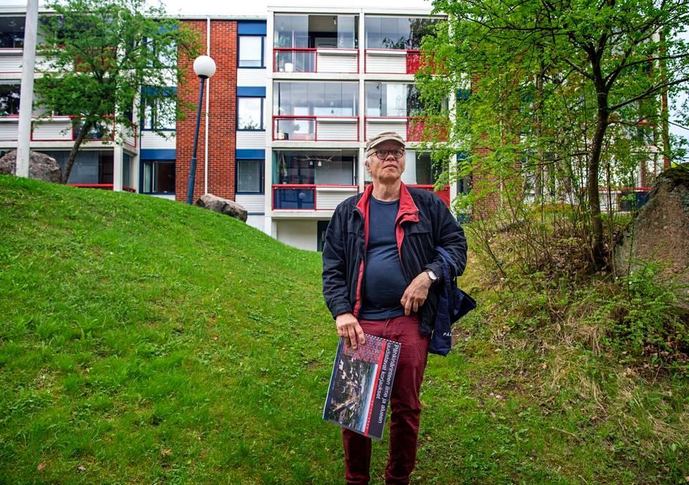 Pähkinärinne-seuran puheenjohtaja Arno de la Chapelle on asunut kaupunginosassa 15 vuotta. Asukkaat arvostavat alueella erityisesti luontoa ja rakennusten hyvää laatua, hän uskoo.