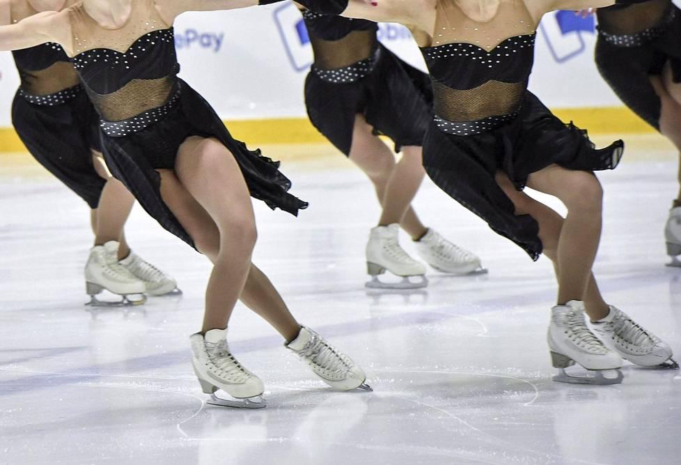 Team Uniquen luistelijoita SM-kisoissa Helsingissä 2018.