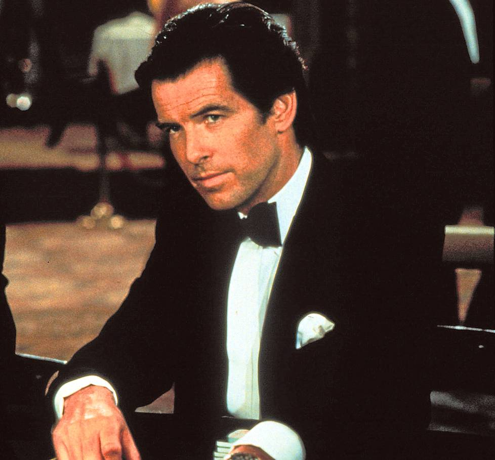 Pierce Brosnan Bondina.