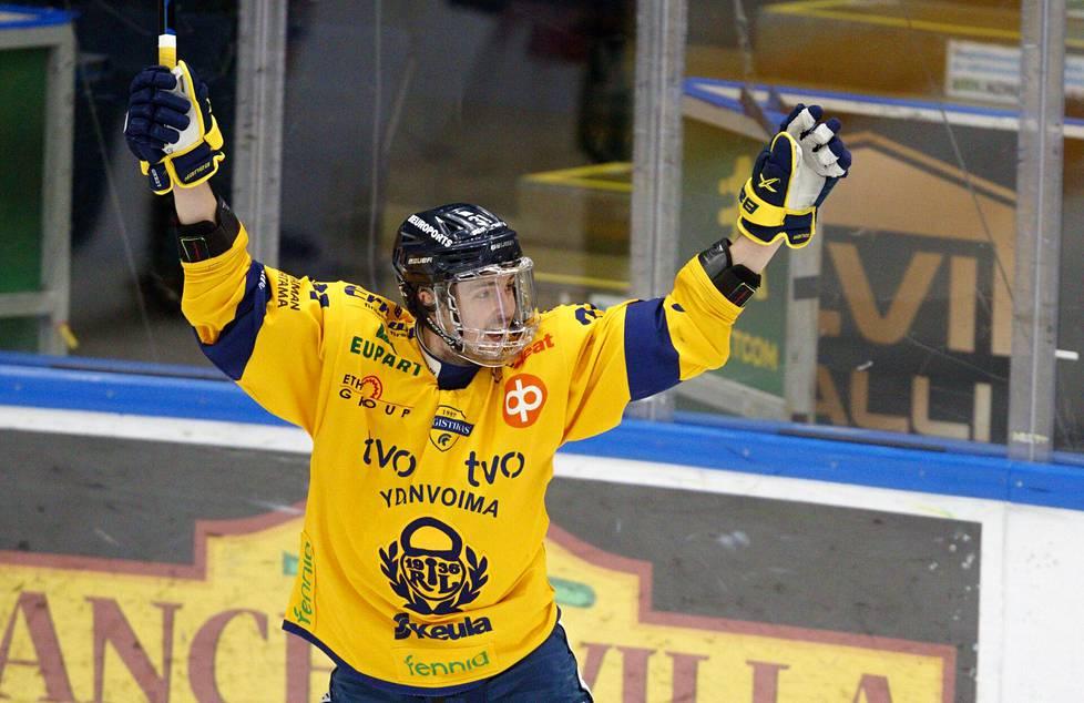 Lukon Eetu Koivistoinen arvostettiin pudotuspelien arvokkaimmaksi pelaajaksi.