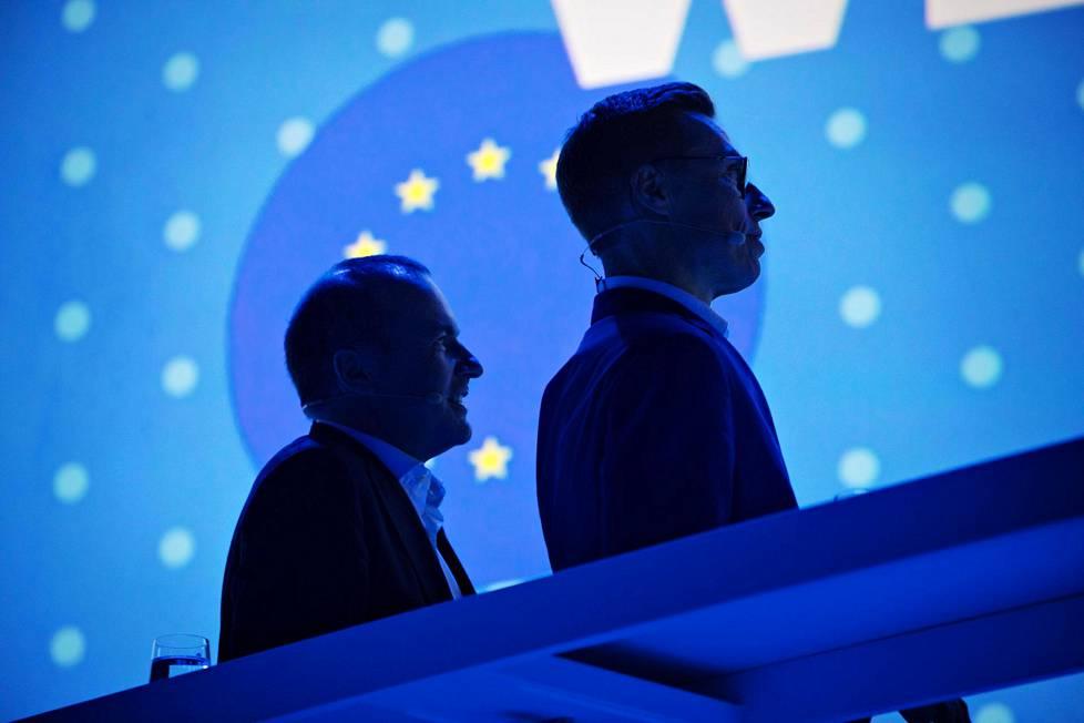 Manfred Weber ja Alexander Stubb EPP n kokouksessa Messukeskuksessa. 783294287f