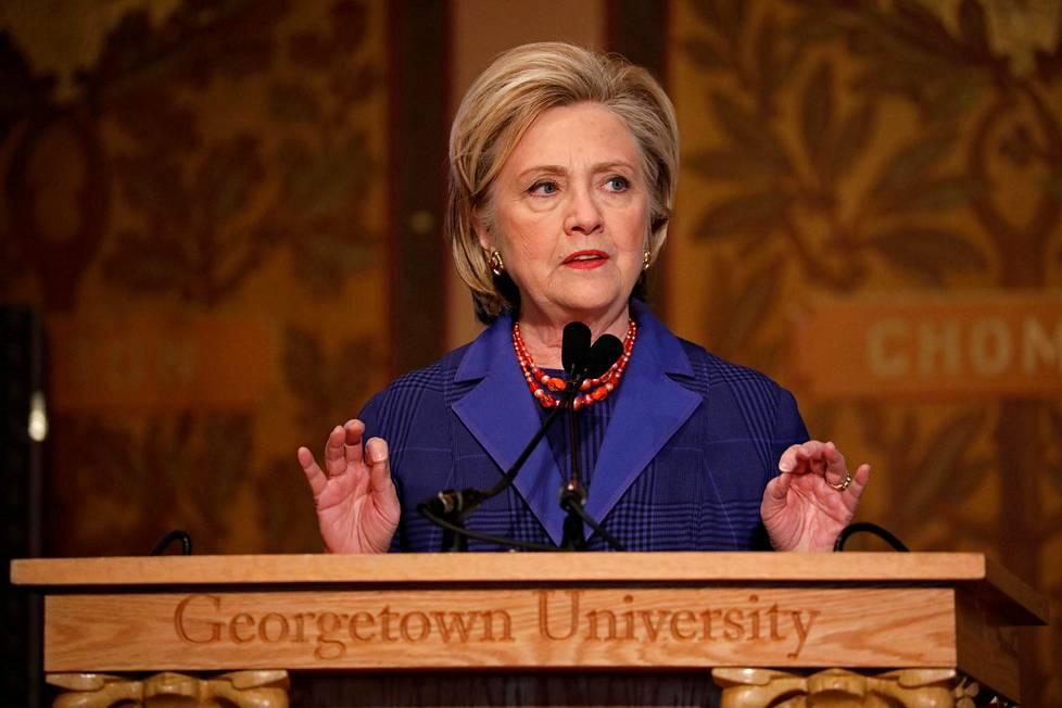 Hillary Clinton puhumassa helmikuussa Washingtonissa. 7e97bbeb31