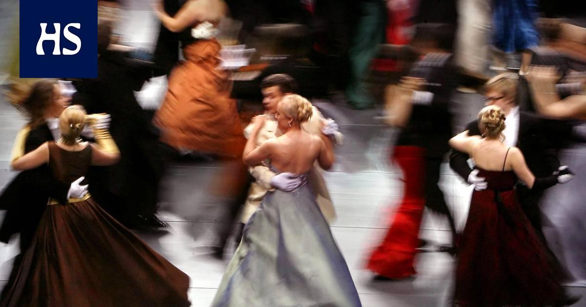 """""""Parillani oli naama vihreänä, kun vedimme poloneesin - vuoden päästä penkkareissa aloimme seurustella"""" - lukijat muistelevat vanhojen tansseja"""