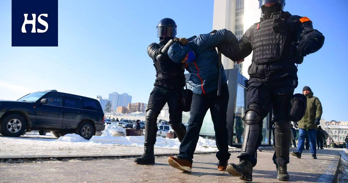Venäjä   Aleksei Navalyin koolle kutsumat mielenosoitukset alkoivat Siperiassa, yli kaksisataa otettu jo kiinni – suora lähetys käynnissä