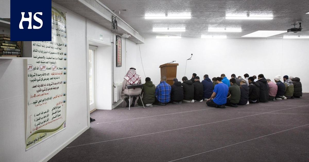 Tanska suunnittelee tiukkoja toimia radikaalien imaamien suitsimiseksi – Aarhusin moskeijalla kivitys on osa uskoa
